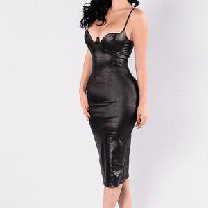 NWT - Fashion Nova - Rita Dress Black - Small